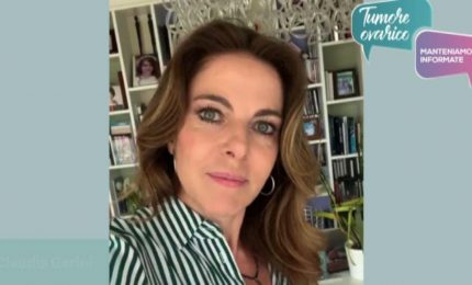 Tumore Ovarico, Claudia Gerini testimonial: mantenersi informate