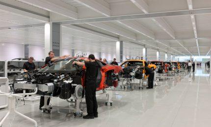 Crisi pandemia, McLaren taglia 1200 posti di lavoro