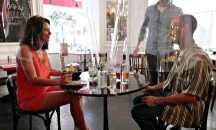Parigi, la distanza al ristorante grazie a campane in plexiglass