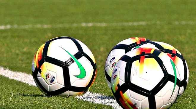 Il calcio riparte il 20 giugno, 124 partite da disputare in 44 giorni in Serie A