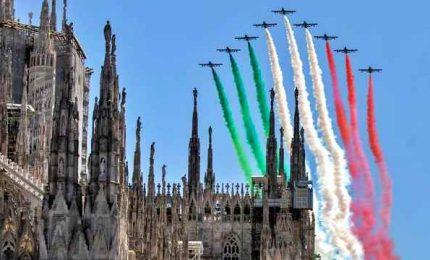 Fase 2, abbraccio all'Italia delle Frecce tricolori