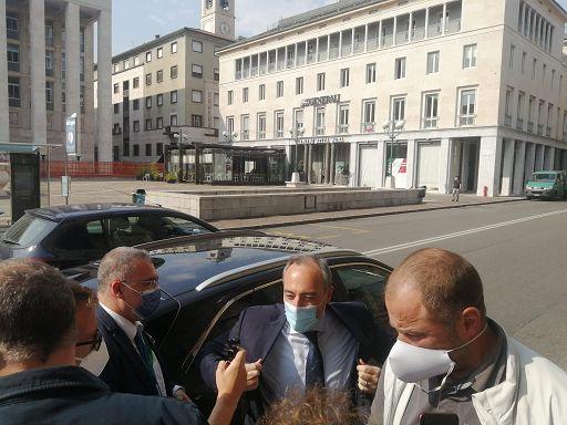 L'assessore Gallera in Procura a Bergamo: preoccupato? Non scherziamo
