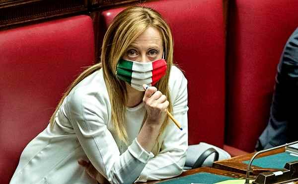 Conte nega l'omaggio al milite ignoto. Salvini:
