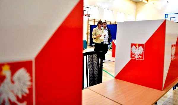Polonia, rinviate le elezioni presidenziali