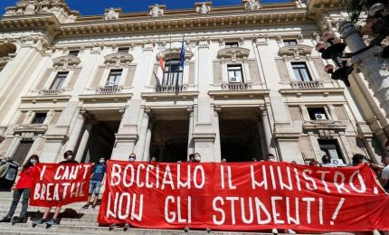 Scuola in tempo di Covid: Chi ha visto i prof? Sono in sciopero…
