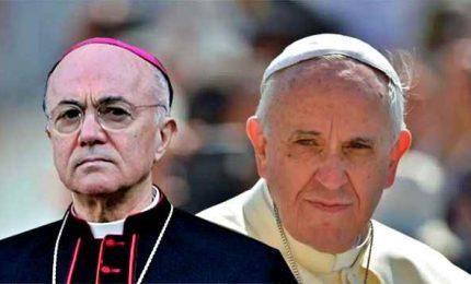 """In Vaticano rissa tra conservatori su messe e coronavirus. Lo Stato nel """"mirino"""""""