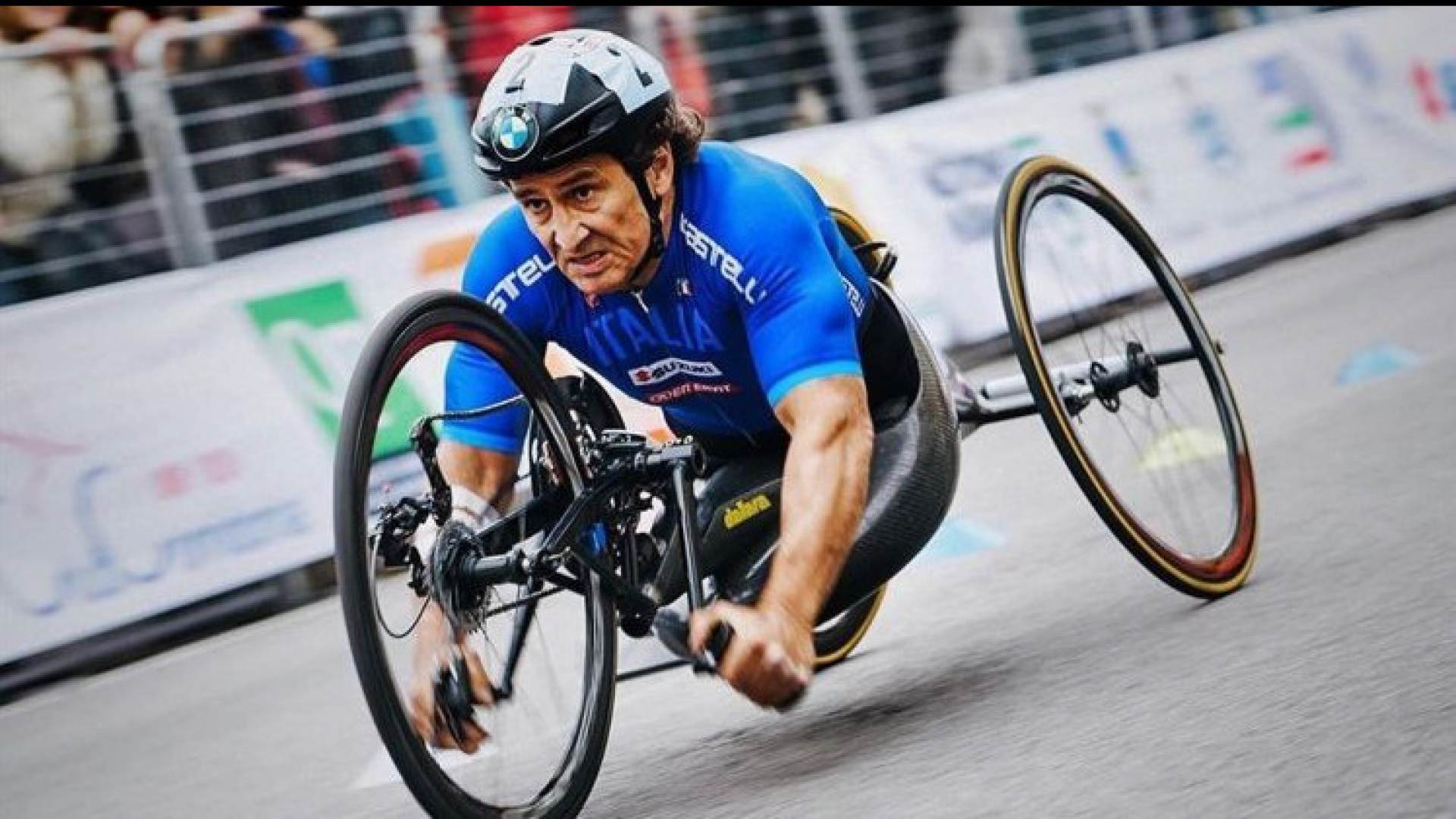 Grave incidente in hand-bike per Alex Zanardi.