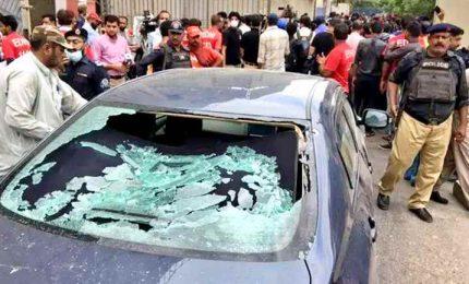 """Pakistan, attacco a Borsa di Karachi: """"Uccisi 4 terroristi"""""""