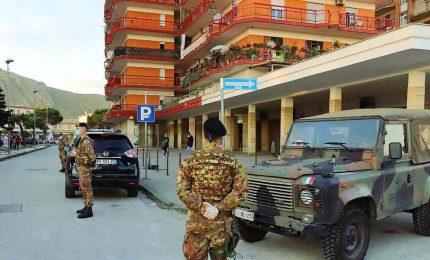 Focolai nel Casertano e a Bologna, arriva l'Esercito. Risalgono i positivi