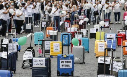 """Agenzie di viaggio e tour operator in piazza a Roma: """"Il governo ci aiuti"""""""