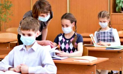 Scuola, le tre regole ferree dell'Iss: igiene, mascherine e distanziamento