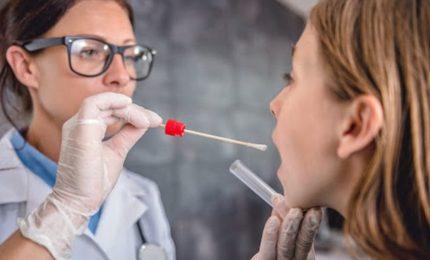 Coronavirus, al via in prova nel Regno Unito nuovo test saliva