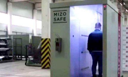 Un tunnel con disinfettante antiCovid per farsi ricevere da Putin