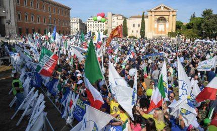 Salvini, Meloni e Tajani in piazza: centrodestra unito nel segno della libertà
