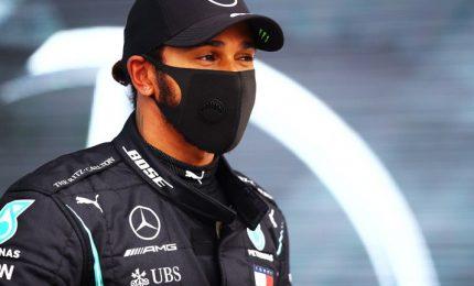 Vince Hamilton, Ferrari doppiate e Vettel sesto