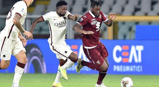 La Roma batte il Torino, Juve stracciata a Cagliari