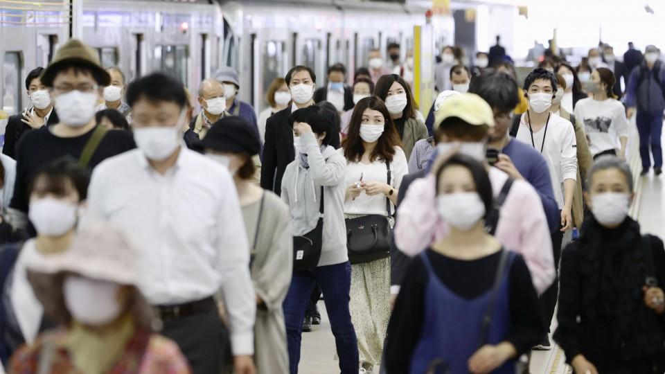 "Coronavirus, a Tokyo contagi record: ""Sistema sanitario potrebbe finire sotto stress"""