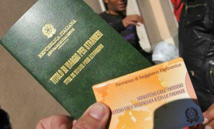 Migranti, finti matrimoni e falsi esami di italiano: 5 arresti