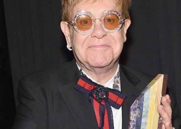Elton John lancia su Youtube i video con suoi più grandi concerti