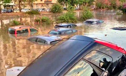 Nubifragio su Palermo, due morti annegati in auto