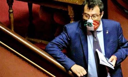 """Open arms, Senato dice sì: Salvini va processato. Il leghista: """"Avanti a testa alta"""""""