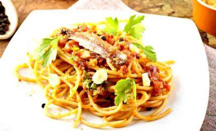 Primi piatti, spaghetti alle acciughe