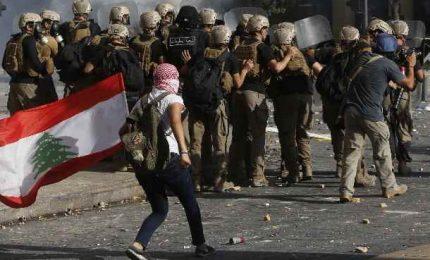 Esplosione a Beirut, il governo libanese si è dimesso