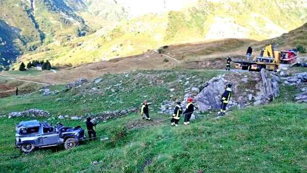 Auto nella scarpata, cinque ragazzi morti. Quattro tra gli 11 e i 16 anni
