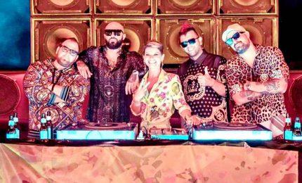 """Disco di platino per """"Karaoke"""" dei Boomdabash e Amoroso"""