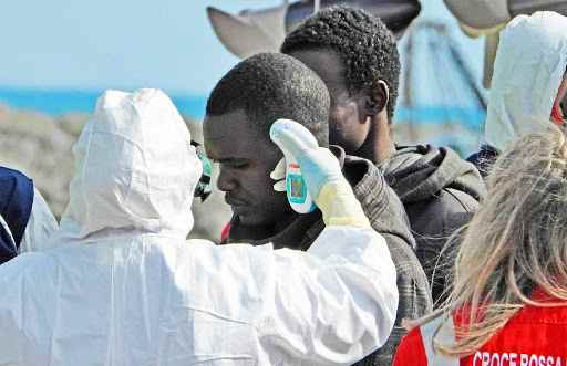 Coronavirus, in Sicilia 64 migranti positivi in 24h. E Conte 2 resta a guardare
