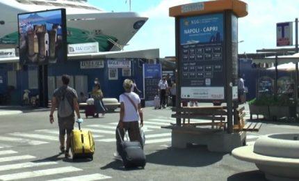 Al Porto di Napoli tanti turisti, fra timori e precauzioni