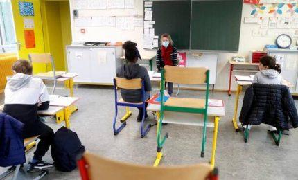 Coronavirus, la scuola sempre nel caos. Preoccupato pure Zingaretti: è possibile una rivolta di massa