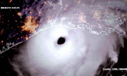 L'uragano Laura fa paura, le immagini riprese dal satellite