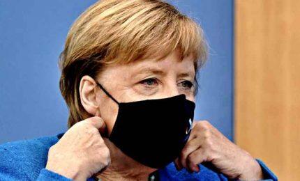 """Merkel revoca il lockdown di Pasqua: """"Un errore, mi spiace"""""""