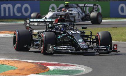 Gp Mugello, vince Hamilton su Bottas. Disastro Ferrari