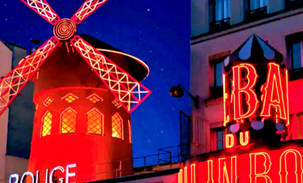I luoghi dello spettacolo e degli eventi illuminati di rosso