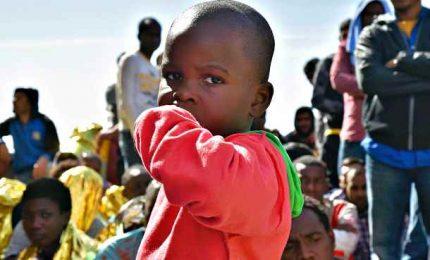Richiedenti asilo manifestano a Lesbo. Paesi Ue accoglieranno 400 minori