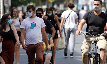 Coronavirus, obbligo mascherine all'aperto in Campania e Liguria