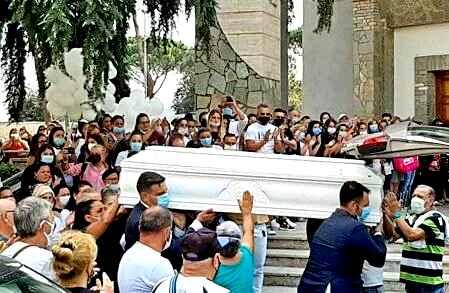 """Funerali Maria Paola, Ciro: """"Correvamo verso la nostra libertà"""""""