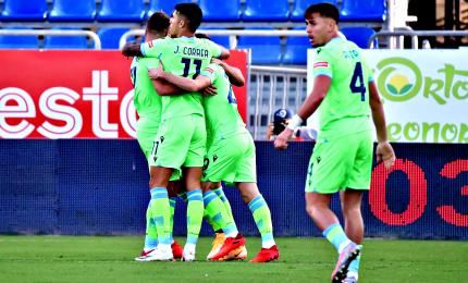 La Lazio vince a Cagliari, Il Benevento manda ko la Sampdoria