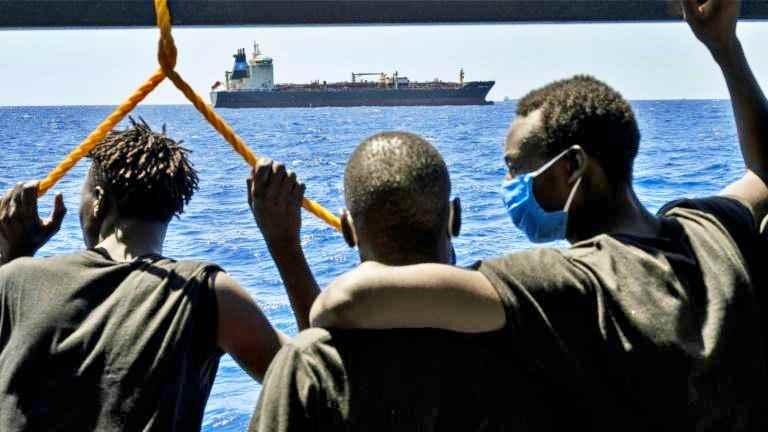 """Il """"Nuovo patto"""" della Commissione Ue sui migranti: """"Solidarietà flessibile"""""""