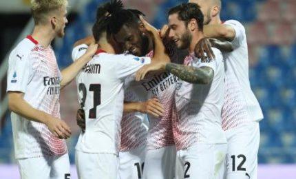 Milan vince a Crotone (0-2), Pioli non sente l'assenza di Ibra