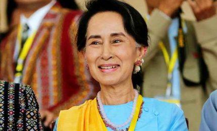 Aung San Suu Kyi porta al voto Myanmar, suo avversario: il Covid