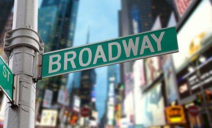 Le luci di Broadway spente almeno fino al 1 giugno del 2021