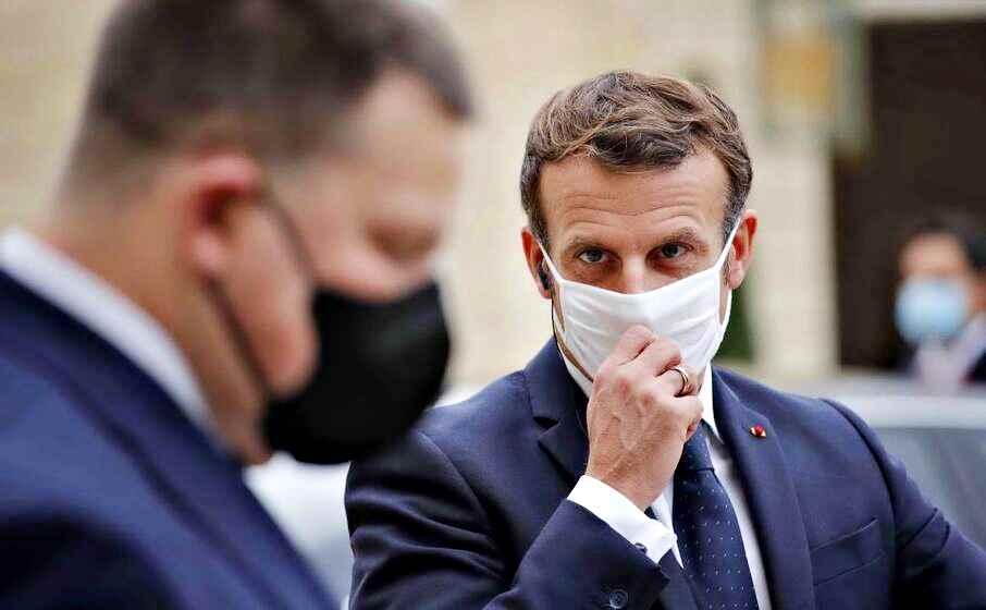 Coronavirus, Macron annuncia un nuovo lockdown per la Francia. E va in tilt il sito delle ferrovie