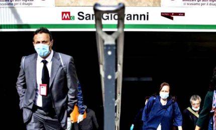 Nel Lazio obbligo mascherine all'aperto e test salivari a scuola