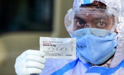 Coronavirus, arriva il tampone antigenico in farmacia. Via libera di Speranza