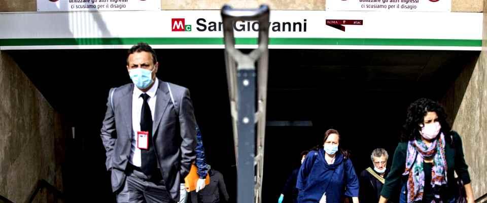 """Coronavirus, Ricciardi: """"Normalità? Non sarà possibile probabilmente per molti anni"""""""