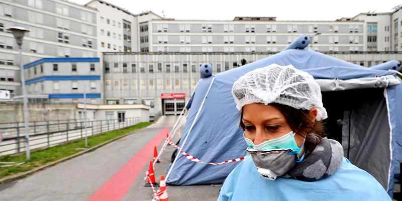 Coronavirus,  impennata di contagi e morti. Gli esperti: Trend epidemia in marcato aumento, sette regioni da codice rosso