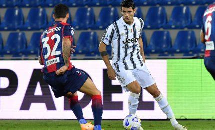 La Juve non sfonda a Crotone, finisce 1-1. Simy e Morata autori dei gol, Chiesa espulso